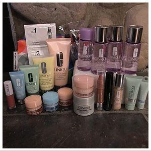 **NWT** Clinique Beauty Bundle - 18 pieces!!
